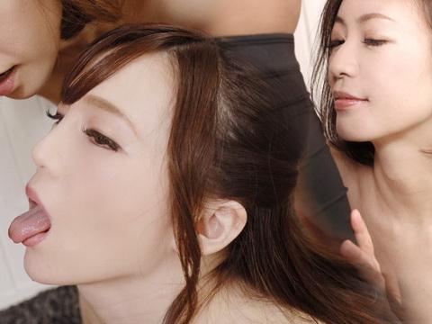 THE 未公開 ~美女二人にしゃぶられるフェラ天国~ HITOMI すみれ美香